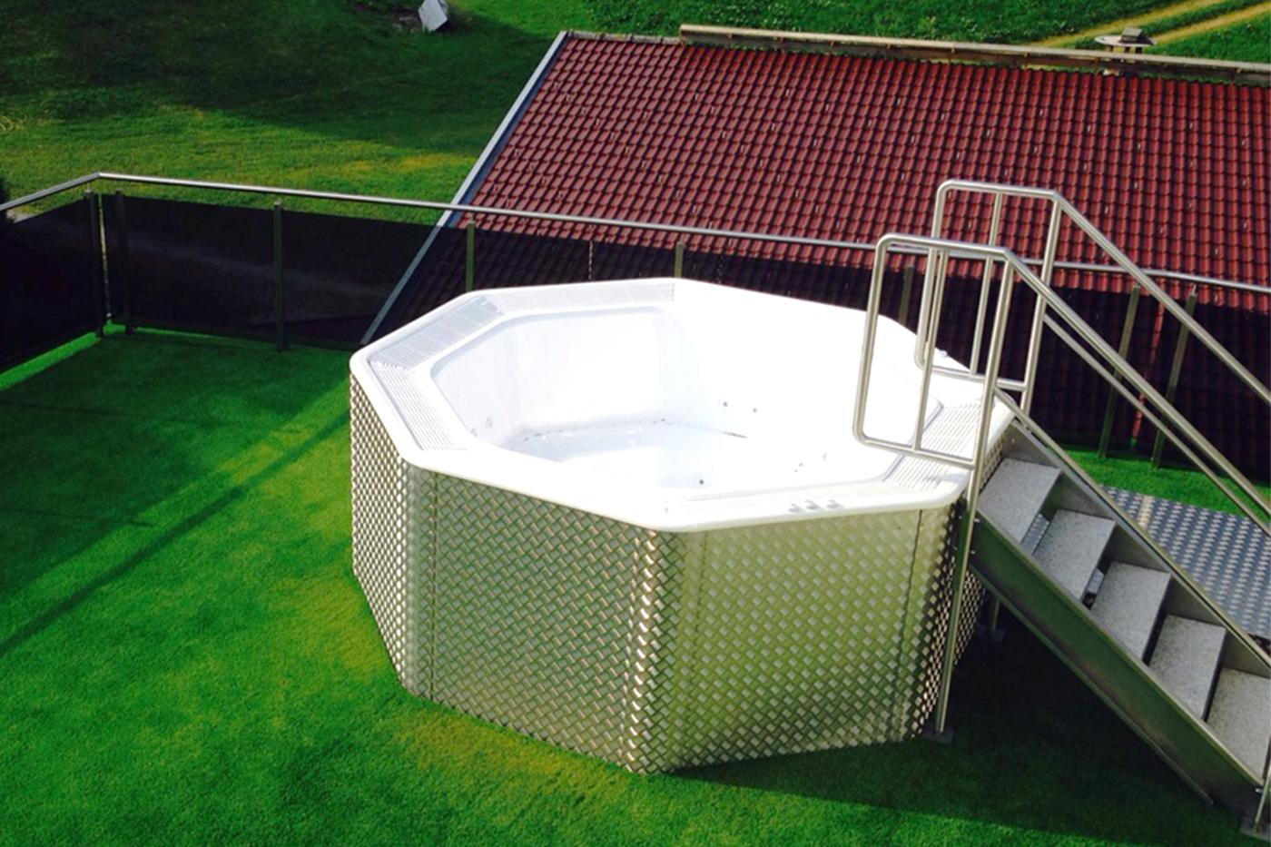 Stiegen und treppen der schlosserei fankhauser im for Deko schwimmbad